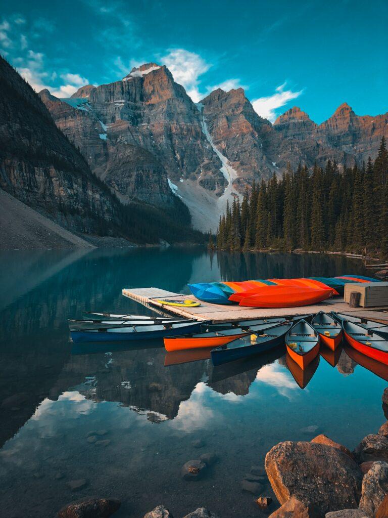 Montagne et lac canada